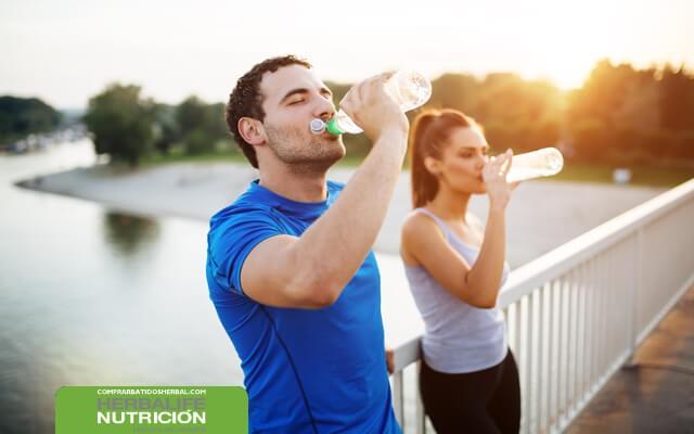 Beber-agua-para-perder-peso